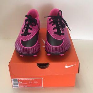 Nike Cleats Barbara II FG ,Sz 6Y NEW